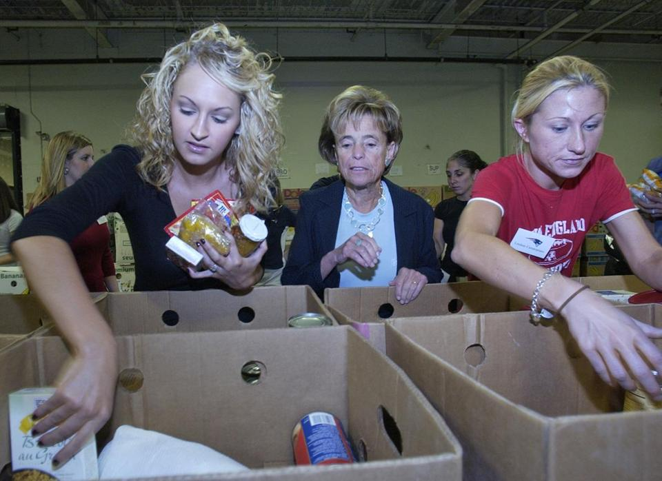 Myra Kraft was in the middle of volunteers sorting donations to the Greater Boston Food Bank in September 2007.